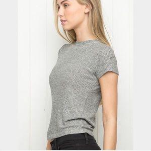 grey ribbed shirt